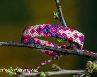 Friendship bracelet 'Pink to Purple'