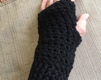 Crochet black fingerless gloves, fingerless mittens, texting gloves, wrist warmers, hand warmers, winter gloves, black gloves, FREE SHIPPING