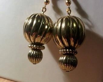 Golden balls - earrings