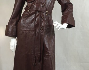 Vintage 1970s Burgundy Red Leather Trench Coat Lambs Leather 10
