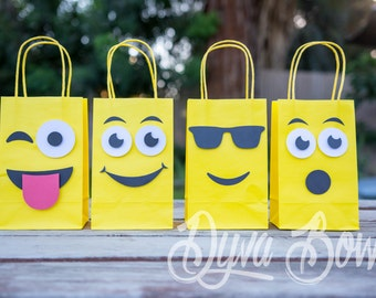 Emoji - Emoji Party  Emojis - Emoji party decor  Emoji favors - Emoji party supplies - emoji goody bags - candy bar - candy buffet - 20 bags