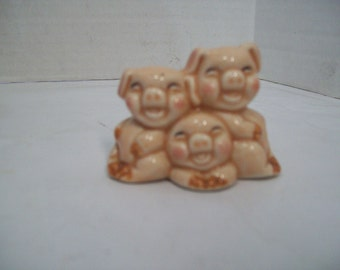 Vintage 1970's ceramic Pig Toothpick Holder, 3 Smiling Pigs, FREE SHIPPING