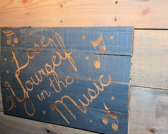 Music pallet wood sign