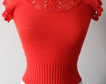1950s Vintage Red Orange Crochet top with crochet flowers
