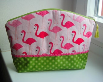 """Flamingos green"" bags"
