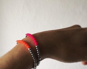 Beaded bracelet fluo