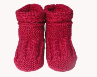 Baby booties, made of natural materials for child