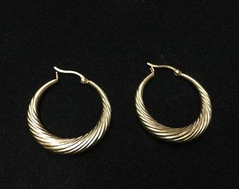 Vintage Hoop Earings, 925, Goldtone, Pierced, Thailand