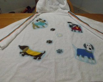 Hooded Towel with Dog Appliques, Hooded Towel, Child's Hooded Towel, Child's Gift, Baby Gift, Appliqued Bath Towel