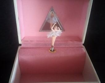 Gunther Mele ballerina music jewellery box 1976