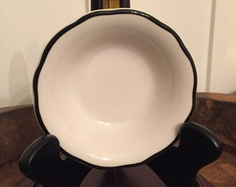 Vintage Buffalo China Restaurant Ware Scalloped Berry Dessert Bowl with Black Rim | Pattern 9810A