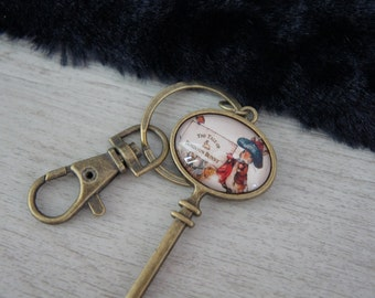 Keychain with  vintage cabochon. A really cute charm with a vintage BUNNY. Really girly.  The perfect as a Mori jewelry. Keychain.
