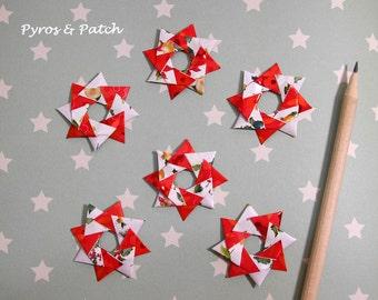 Set of 6 paper crowns origami for decorate Christmas cards , tag and more ,Set di 6 corone bicolori di carta in origami per biglietti Natale