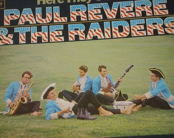 Paul Revere & The Raiders vinyl record, Here They Come! vintage vinyl record