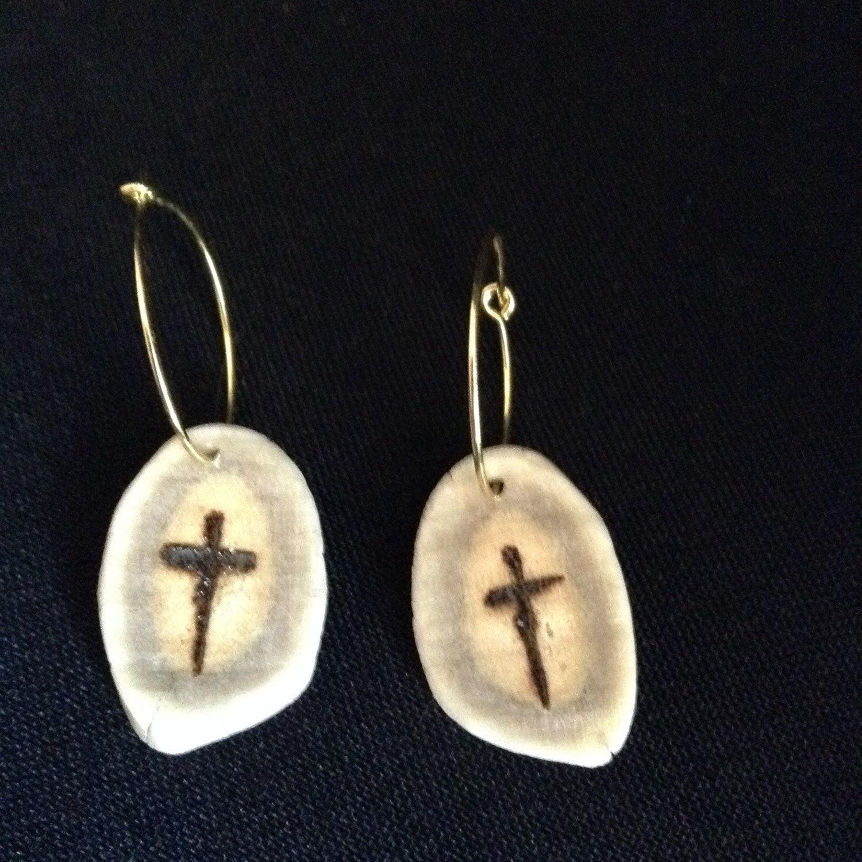 d22 deer antler earrings on gold hoop