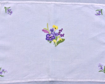 Pretty Vintage hand embroidered place mat /tea tray / small tablecloth: perfect for serving tea in style