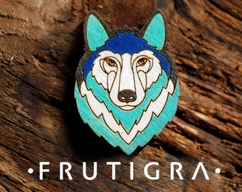 Wooden brooch wolf