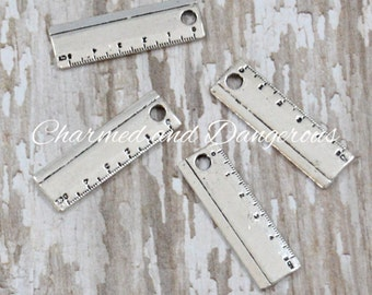 10 silver Ruler charms (CM202)