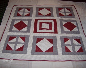 Maroon and Houndstooth Quilt