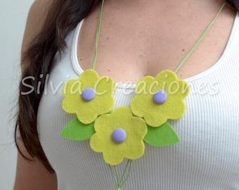 Felt necklace / Collar felt flowers / accessory woman mic pendant / Confeccoes