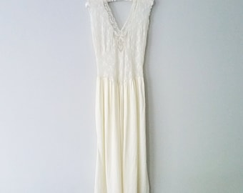 Vintage ivory lace sleep slip lingerie nightgown!