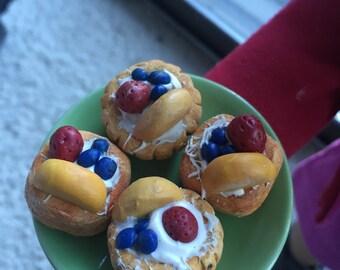 18in doll food- fruit tartlets (4
