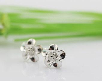 sterling silver flower stud earrings,bridesmaid earrings,flower earrings,bridal earrings,wedding earrings,flower earstuds,bridesmaid jewelry