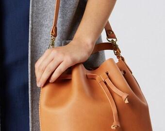 Bucket Bag Tan