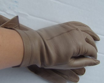 Vintage Women's Elegant and Classic leather Gloves Super Soft Tan Leather Gloves Size M Gift for Her Elegant Classic Gloves Accessories