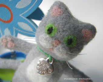Handmade Brooch Needle Felting Kitten Wool Jewelry Needle Felting Brooch Cat Felted Cute Gift Handmade Felt Brooch Kitten