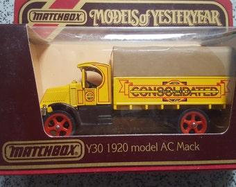 Set of 2 Matchbox - Models of Yesteryear - Y30 - AC Mack