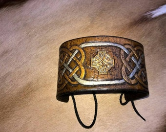 Tooled Celtic Knot Leather Armband