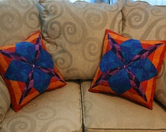 squares and stripes mirrored pillow set