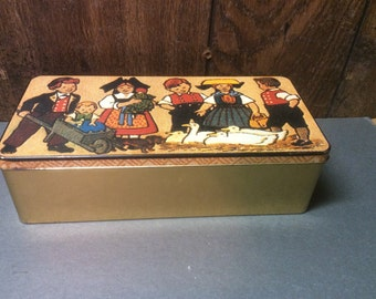 Vintage German Tin from Bahlsen Bakery - Collectible