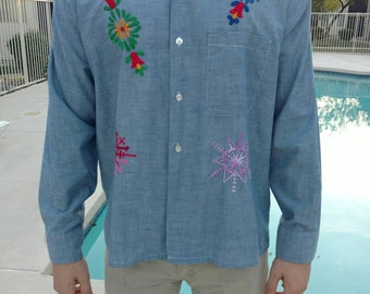 Vintage 1970s 70s embroidery hippie chambray shirt button up large groovy