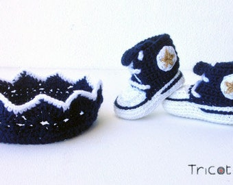 Crown and booties crochet baby
