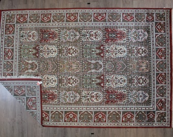 7 ft x 10.4 ft Persian Ghom Rug Bamboo Silk