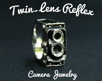 Classic Twin Lens Reflex Camera Ring - Rings - Handmade Jewelry -Size 54,58 - Accessories - Black - TLR - Camera rings - photographer