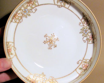 Moriage Handpainted Nippon 3 Footed Round Candy Vanity Trinket Serving Bowl Dish 1911 - 1921