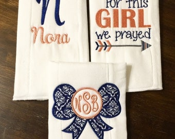 Navy & Coral Burp Rags //Set of 3 Baby Burp Cloth for Girls // Embroidered Burp Cloth // Monogrammed Burp Cloth // Baby Shower Gift