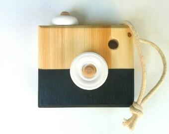 Tiny Wood Camera - Panda