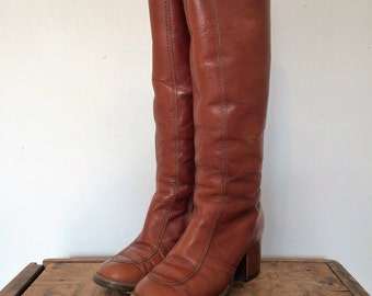 vintage. 1970s knee length boots