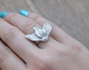 Gerber Flower Ring. Pure Silver. Fine detail.