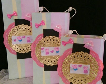 Themed Pepper Pig set of (3) gift bags