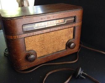 Vintage Motorola Radio, 1947, all tube,