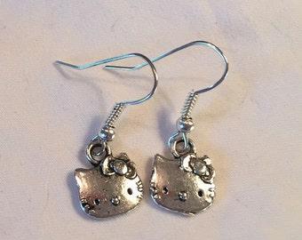 Earrings-Hello Kitty (silver color)