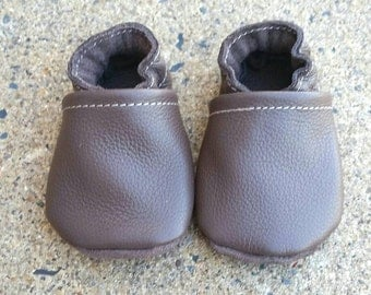 Brown baby shoes, brown infant shoes, brown toddler shoes, baby booties, infant shoes, toddler shoes, leather baby shoes, soft sole shoes
