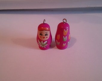 Babushka (Russian Doll) 1 1/4 inch high Pendant/Figurine in Magenta