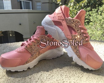 new concept b2fdb d641a nike huarache white gold rose color