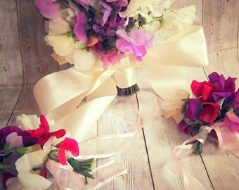 Bridal and Bridesmaids bouquet and hand tied bouquets!